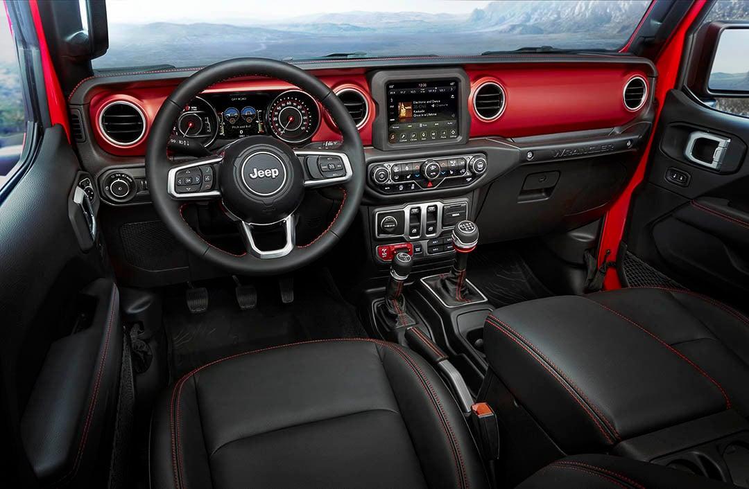 Vue de l'habitacle à bord du Jeep Wrangler 2021